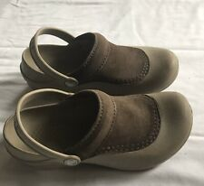 Crocs Troika Womens Taupe Rubber Brown Suede Clogs Slip On Comfort Shoes Sz 6