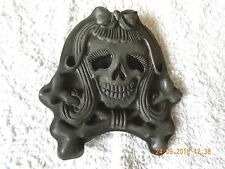 WOMAN'S SKULL AND CROSSBONES, GRAY BELT BUCKLE. NEW WITHOUT TAGS.