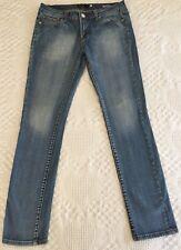 Vigoss Women's Skinny Leg Distressed Jeans Style P8006J Size 7 (31 x 30.5)
