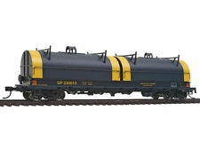 Tin HO Scale Model Train Carriages