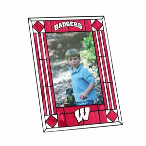 """University of Wisconsin Badgers Art Glass 4"""" x 6"""" Vertical Picture Frame"""