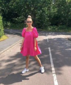 BNWT H&M SS2020 TRENDY PUFF SLEEVED CERISE SHORT DRESS BLOGGERS FAVOURITE MED