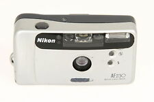 Nikon AF 230 Kompaktkamera mit eingebautem Blitz #6176840