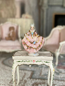 Vintage Miniature Dollhouse Betty Neiswender Marie Antoinette Porcelain Figurine