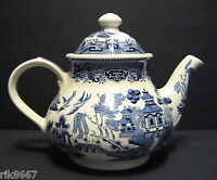 Willow pattern 6 cup teapot by Churchill England NEW