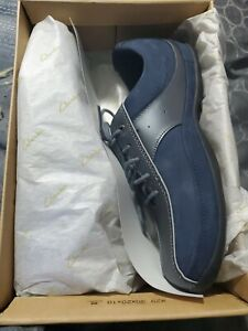 NEW IN BOX Clarks Val Leather Lace-up Comfort Casual Walking Shoes 9M BLUE