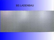 TEGOMETALL RÜCKWAND RUNDLOCH GELOCHT LOCHWAND BLISTERWAND 9010 REGAL 4x L100 H20