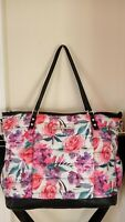 NEW BETSEY JOHNSON WEEKENDER TRAVEL OVERNIGHT BAG QUILTED PINK FLORAL FLOWERS
