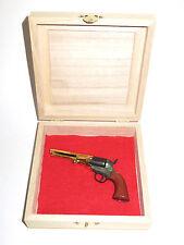 Pistola en miniatura