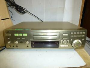 JVC XL-SV23 karaoke Video CDG Player-Graphic-2 Microphone Inputs-D.D. Converter