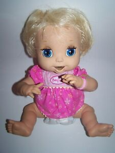 2006 HASBRO BABY ALIVE DOLL SOFT FACE TALKS EATS POOPS PLUS ACCESSORIES