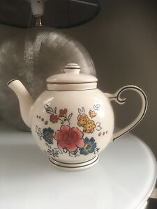 Molly Hatch Teapot In Flower Patch Design