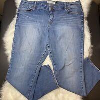 """Torrid Light/Medium Wash Boyfriend Jeans Plus Size 20 (30"""" Inseam) Women's"""