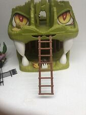 Vintage LJN Dungeons & Dragons Fortress of Fangs Playset 1983 Plus Figures