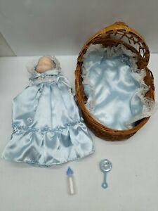 Vtg Moses Basket Bassinet with Ceramic Baby Doll Nursery Furniture Toy