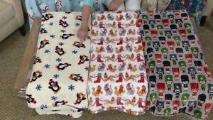 """Berkshire Blanket 60""""x80 Oversized Velvet Soft Holiday Throw-Festive Cat-H215846"""