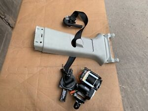 2018 Range Rover Sport L494 facelift osf right driver side front seatbelt