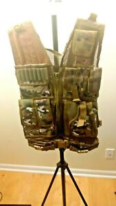 MEN OR WOMEN CAMOUFLAGE GUN TOTING AMMO VEST FIT ALL SIZES