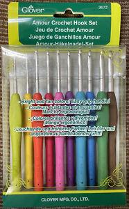 CLOVER Amour Crochet Hook Set 10 Sizes Comfort Grips, Fun Colors! #3672 NEW!
