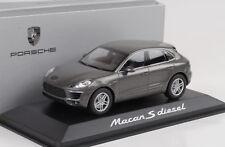 MINICHAMPS 1 43 Porsche Macan s Diesel Graumetallic