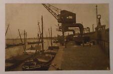beim verladen (during loading,, docks ) vintage postcard GERMANY. bayer & co