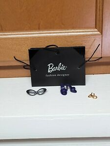 2018 BARBIE SIGNATURE BUSY GAL REPRO EARRING GLASSES Only 2020 convention gift
