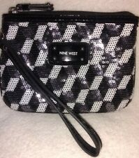 Nine West💥EUC💥Sequin& Patent Leather White/Gray/Black Geometric Style Wristlet