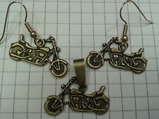 "ANTIQUE GOLD/BRONZE""MOTORBIKES"" EARRINGS+ PENDANT 18"" BROWN WAXED CHOKER"