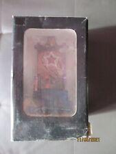 trône pour figurine neuf dans sa boite ( boite un peu abîmée )