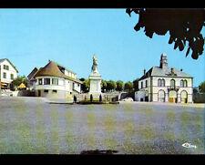 GIAT (63) RENAULT R6 à la MAIRIE & BUREAU DE POSTE