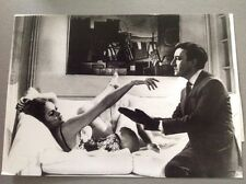 "URSULA ANDRESS - PETER SELLERS  "" JAMES BOND CASINO ROYAL "" Photo Presse 13x18cm"