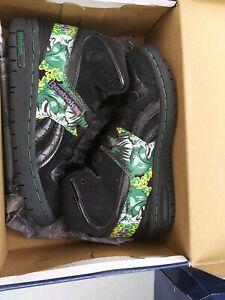Reebok Pro Legacy Mid Marvel Hulk Sneakers. Size 2 1/2 #119