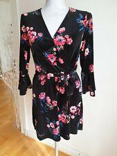H&M Samtkleid mit Blumen Gr. 38