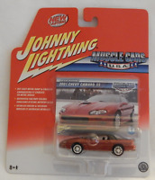 Johnny Lightning Muscle Cars USA 2001 Chevy Camaro SS Maroon Real Wheels 44/R8