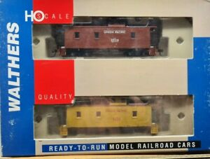 Walthers Rolling StockCA-1 30' Wood Caboose Limited-Run 2-Pack (Ready to Run)