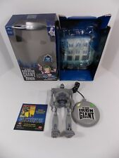 THE IRON GIANT REMOTE CONTROL FIGURE COMP. W/BOX NON-WORKING TRENDMASTERS 1999