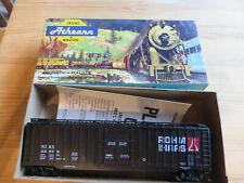 HO SCALE - VINTAGE ATHEARN 5281 50' PLUG DOOR BOX CAR #42879 ROHM-HAAS
