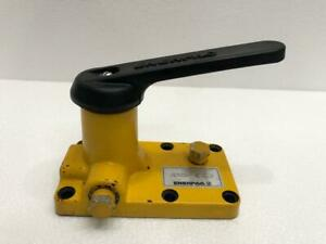 ENERPAC MANUAL OPERATED 3 WAY 2 POSITION HYDRAULIC VALVE FOR ENERPAC PUMPS