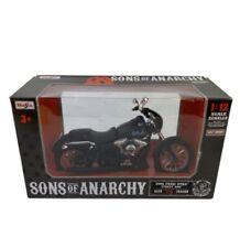"""Maisto 1/12 Scale Sons of Anarchy 2006 FXDBI Dyna Street Bob - Alex """"Tig"""" Trager"""