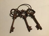 "Metal Cast Iron Skeleton Key Wall Decor 5"" Set Lot Of 3 On Ring"