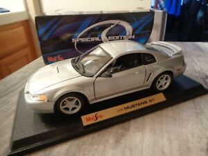 Rare NOS New Old Stock 1999 Maisto Silver Ford Mustang GT 1:18 Limited Edition