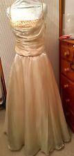 Matrimonio due pezzi colore oro CREMOSO circa taglia 16 Dettaglio Perline Nuovo di Zecca