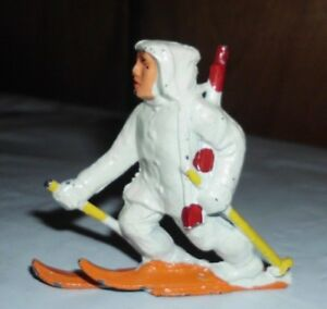 Manoil M125 - Finn on Skis - Metal toy soldier.