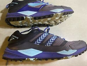 Women's CASCADIA BROOKS GORE-TEX Waterproof Hiking Running Shoes. Size 11