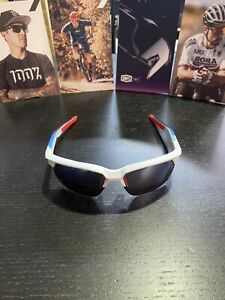 100 % Sunglasses Sportcoupe Matte White Geo Print Hiper Blue