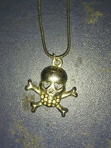 silver tone skull and crossbones necklace ladies women