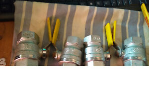 joblot of boss dn25 ball valves with yellow lever female ends