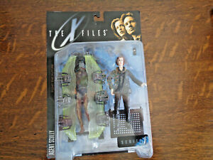 X-FILES AGENT SCULLY 1998 FIGHT THE FUTURE MOC MACFARLANE TOY SERIES 1 ALIEN T5