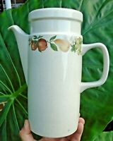 Wedgwood England Oven to Table Quince Pattern Fruit 6 Cup coffee Pot w/ Lid