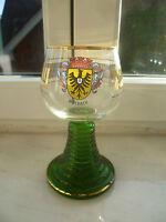 Weinglas mit Goldrand, Römer, Weinrömer, mit Wappen Mosbach, schwerer Glasfuß